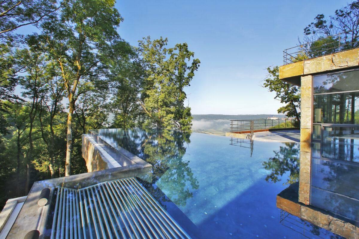 Infinity pool at Mawell Resort
