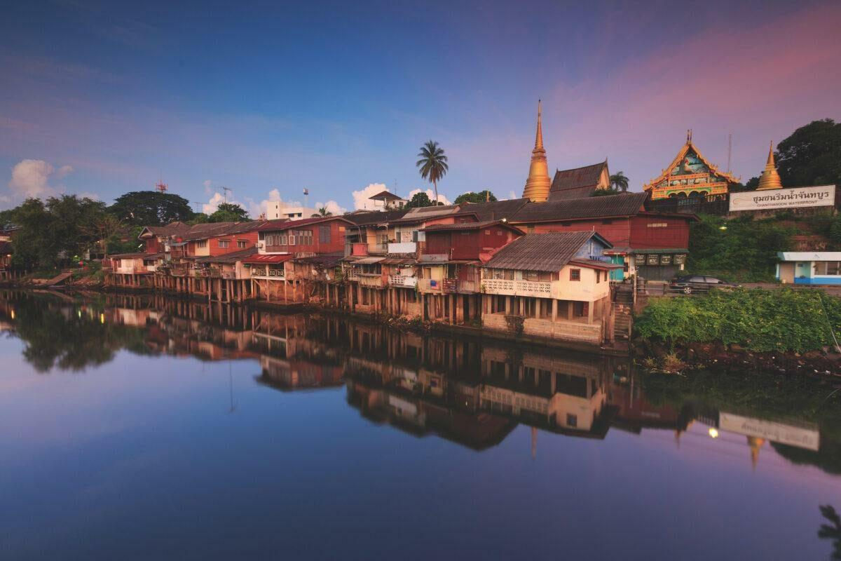 Colorful Thailand: the Chanthaboon Riverside Community
