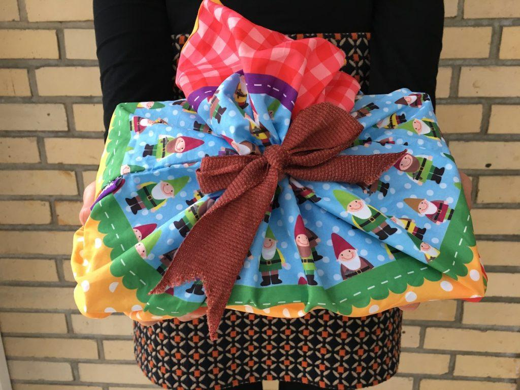 Reusable bag used as gift packaging. © Green Pearls