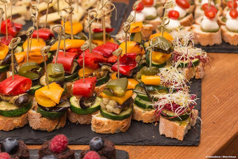 Healthy vegetarian finger food. © AdobeStock / Silvia Hohaus